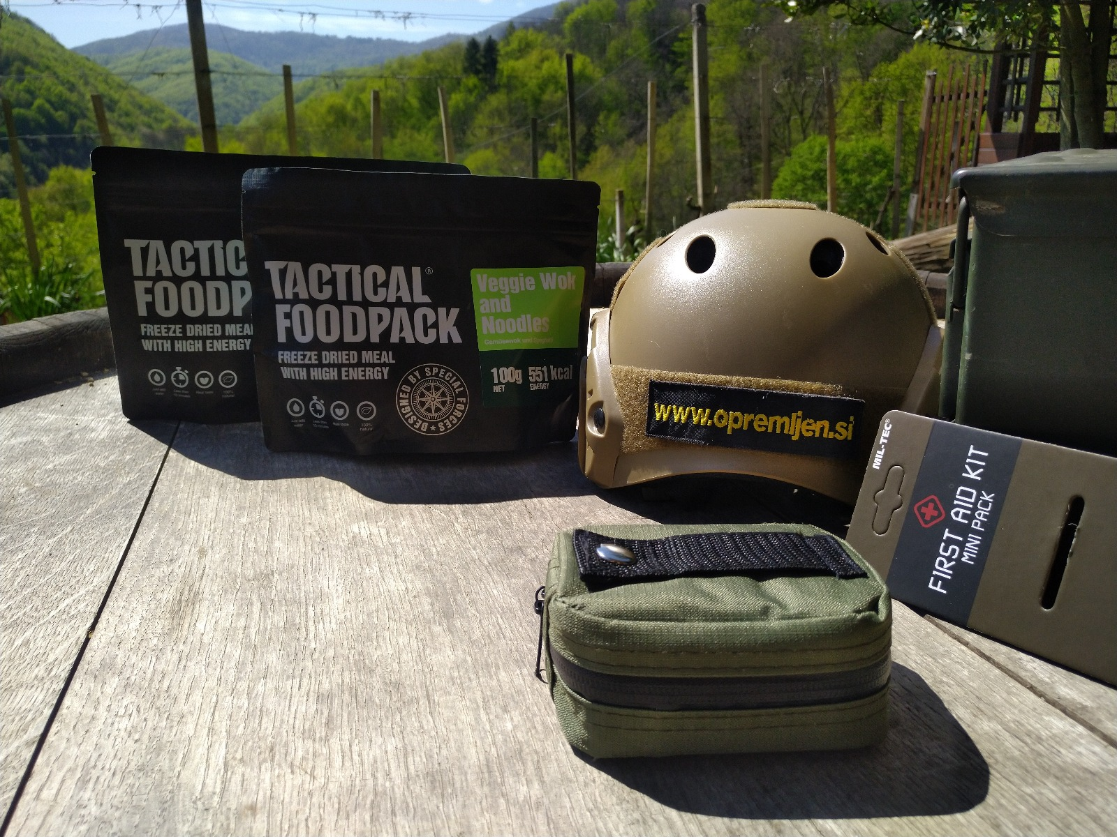 B33 army shop, prva pomoč, torbica prva pomoč, prva pomoč torbica okoli pasu, prenosna prva pomoč, MILTEC, MIL-TEC, B33 army shop, Army shop, Trgovina z vojaško opremo, vojaška trgovina