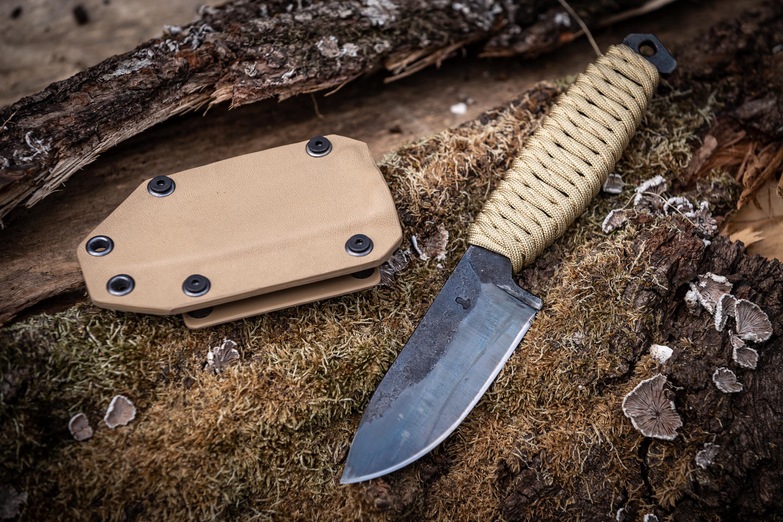 Ročno kovani noži - Kovaštvo Jan Januš, B33 army shop, Trgovina z vojaško opremo, Vojaška trgovina