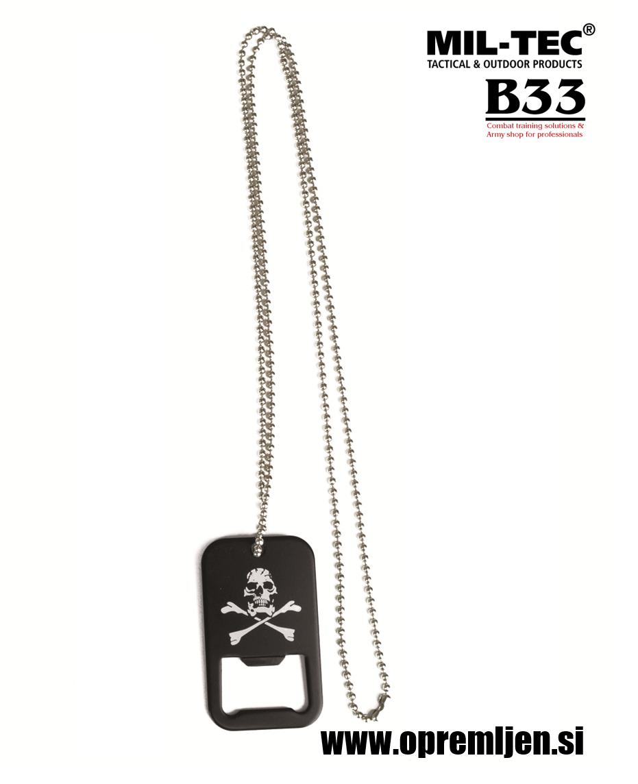 B33 army shop - odpirač kronskih zamaškov v obliki vojaške identifikacijske ploščice (dog tag) z verižico in motivom piratske mrtvaške glave MILTEC, MIL-TEC opremite se na www.opremljen.si (trgovina z vojaško opremo, vojaška trgovina)